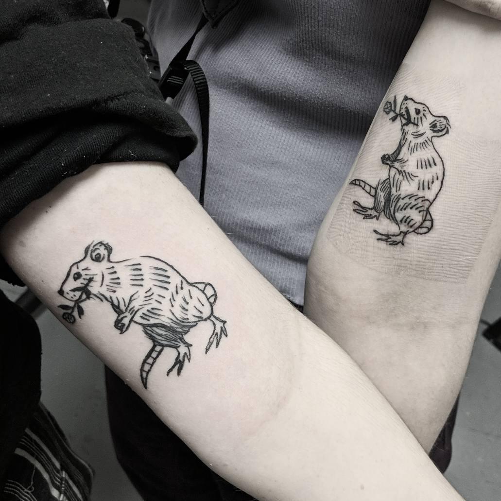 蓟先生情侣大臂老鼠小清新纹身图案图片