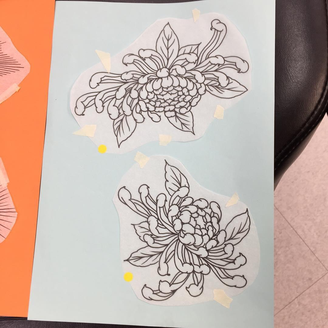 点击: 次         鲸鱼纹身手稿         孔雀骷髅蛇纹身手稿