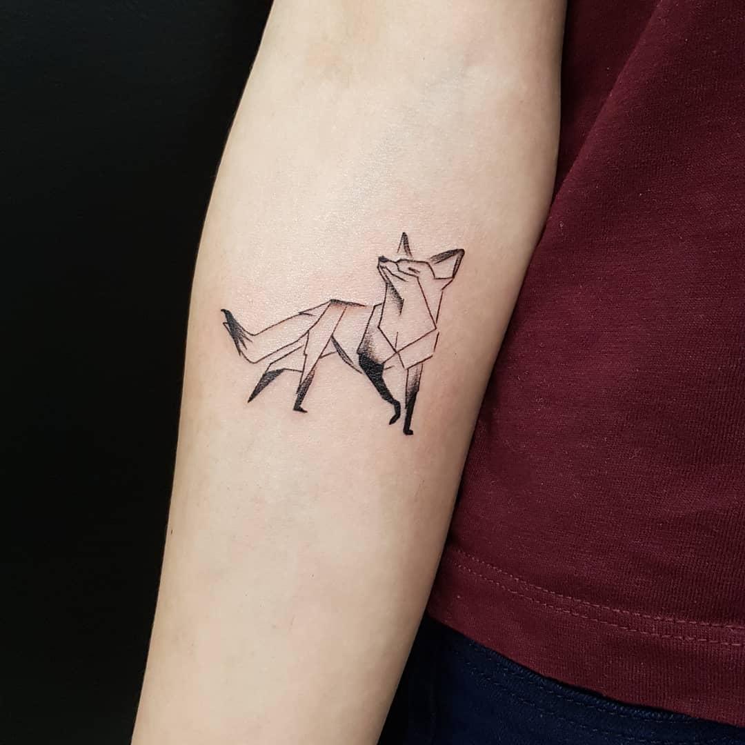 小臂几何图形狐狸纹身图案