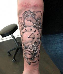 某4s店经理乜小姐玫瑰纹身手稿